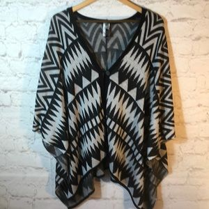 DEBUT AZTEC SHRUG/PONCHO